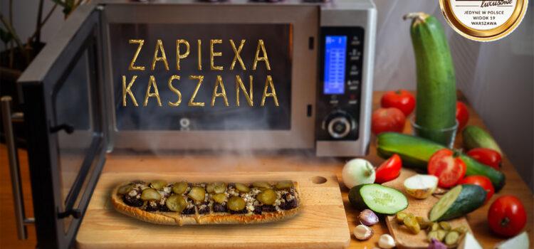 ZAPIEXA KASZANA – PROSTO Z PIECA – ogóras kiszony, kaszanka i cebula – We Love it :)